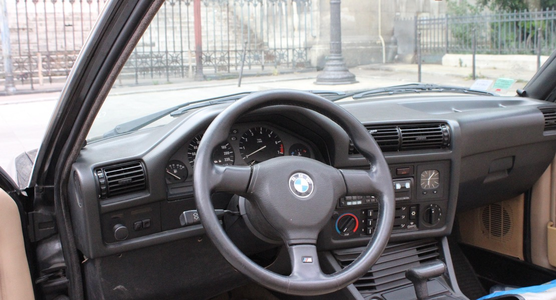 location-BMW-Paris-roadstr