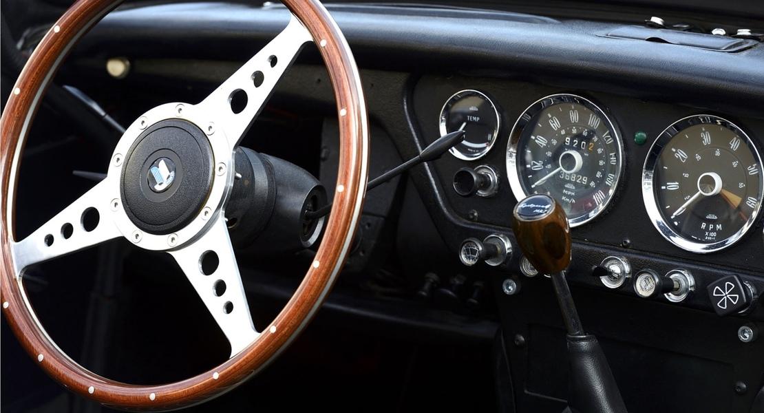 location de triumph spitfire mk2 1966 puteaux 287 roadstr. Black Bedroom Furniture Sets. Home Design Ideas
