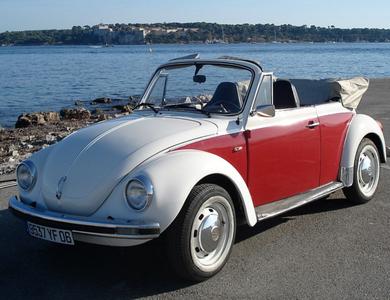 Volkswagen (vw) Coccinelle Cabriolet 1303 à Cannes (Alpes-Maritimes)