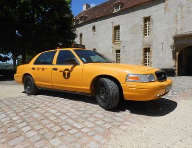 Ford Crown Victoria à Paris (17ème arr.)