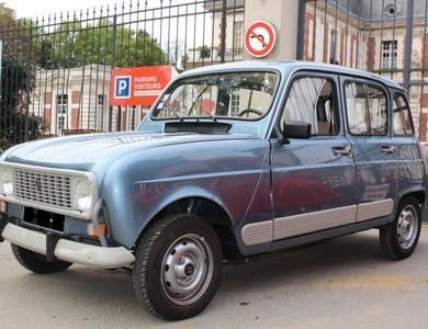 Renault 4l à Versailles (Yvelines)