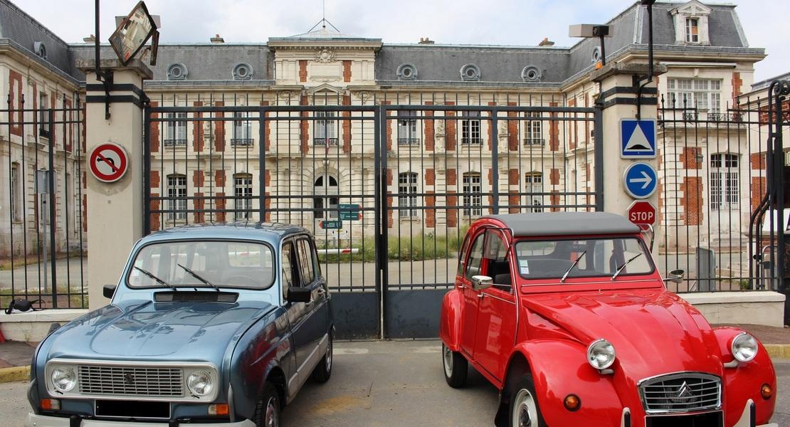 location-RENAULT-Versailles-roadstr