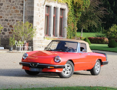 Alfa Romeo Spider Duetto à Aurillac (Cantal)