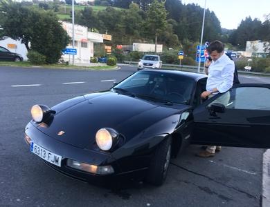 Porsche 928 S4 à Paris (8ème arr.)