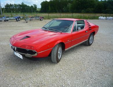 Alfa Romeo Montreal à Lusigny-sur-Barse (Aube)