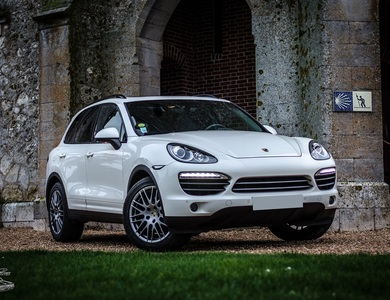 Porsche Cayenne à Meslay-le-Grenet (Eure-et-Loir)