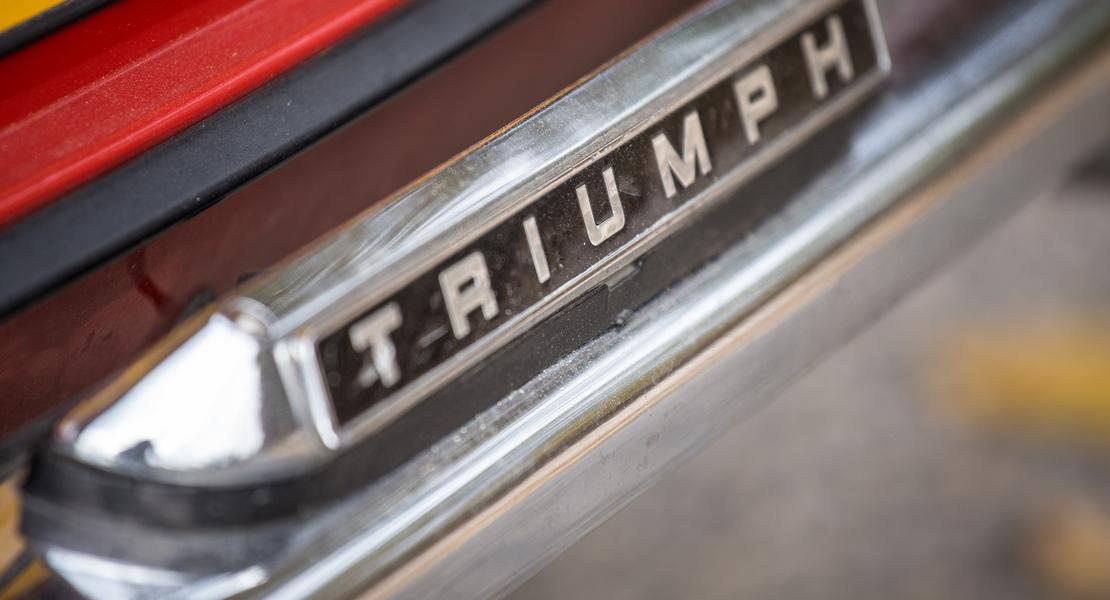 location-TRIUMPH-Vaulx-en-Velin-roadstr