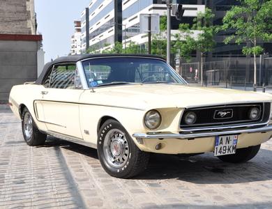Ford Mustang Gt Cabriolet (1ère Gen) à Courbevoie (Hauts-de-Seine)