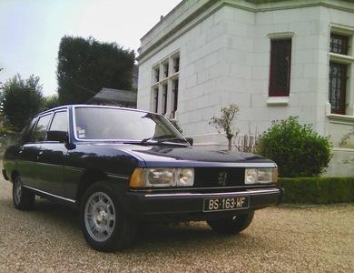 Peugeot 604 Sl V6 à Paris (20ème arr.)
