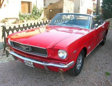 Ford Mustang Cabriolet V8 (1ère Gen) à Vaulx-en-Velin (Rhône)
