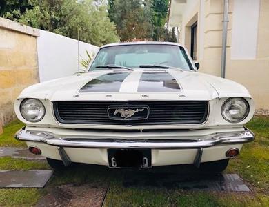 Ford Mustang (1ère Gen) à Le Bouscat (Gironde)