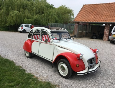 Citroen 2cv6 Dolly à Gondecourt (Nord)