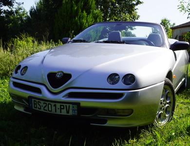 Alfa Romeo Spider à Bergerac (Dordogne)