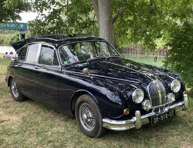 Jaguar Mk2 3.8 L à Montévrain (Seine-et-Marne)