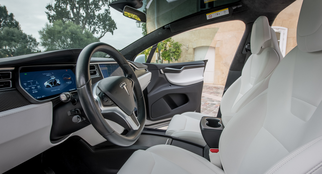 location-TESLA-Mérignac-roadstr