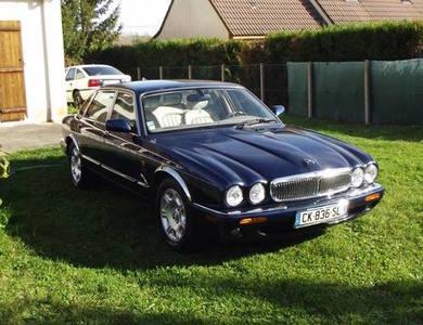 Jaguar Xj8 à Montcresson (Loiret)