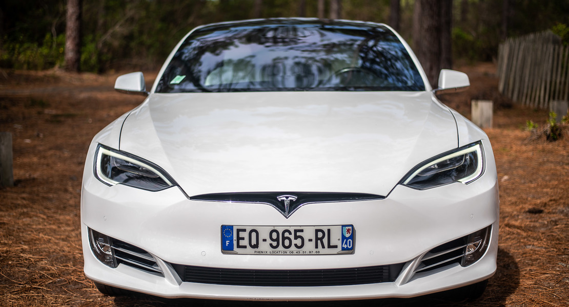 location-TESLA-Bordeaux-roadstr