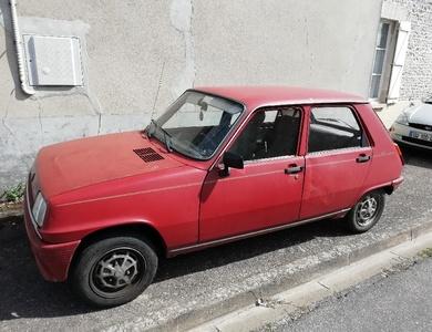 Renault Renault 5 à Aureil (Haute-Vienne)