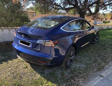 Tesla Model 3 à La Seyne-sur-Mer (Var)