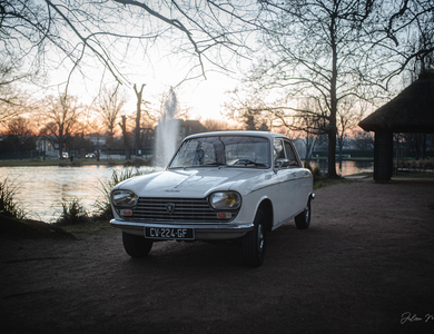 Peugeot 204 Berline à Chatou (Yvelines)