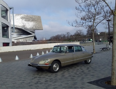Citroen Ds23ie à Les Lilas (Seine-Saint-Denis)