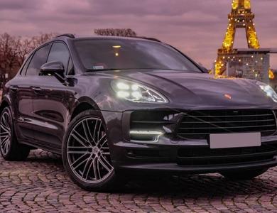 Porsche Macan à Paris (10ème arr.)