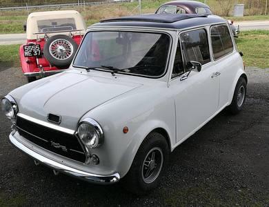 Austin Mini Innocenti 1300 Cooper à Prévessin-Moëns (Ain)
