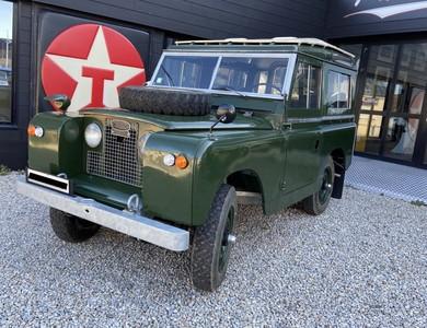 Land Rover Serie 2 A à Gouville-sur-Mer (Manche)