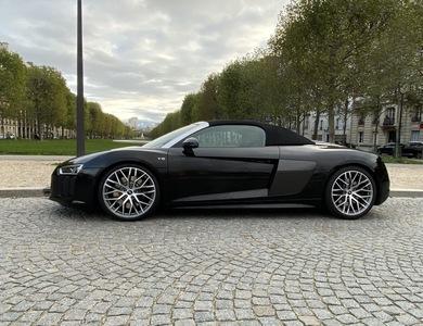 Audi R8 V10 Spyder à Paris (15ème arr.)