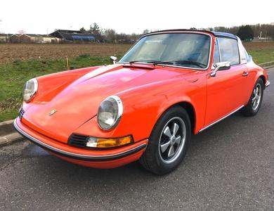 Porsche 911 2,4 T Targa à Clamart (Hauts-de-Seine)