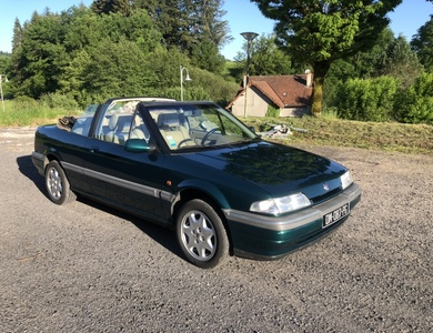 Rover 216i Cabriolet à Aurillac (Cantal)