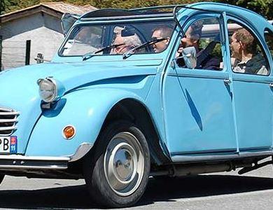 Citroen 2cv Bleu Clair à Montolieu (Aude)