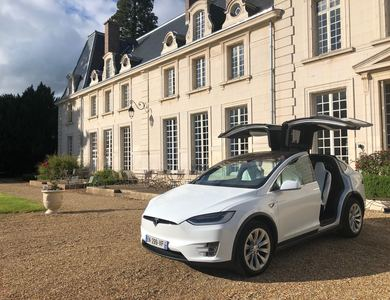 Tesla Model X 100d à Méré (Yvelines)