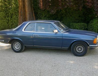 Mercedes-benz 230 Ce (c123) à Paris (16ème arr.)