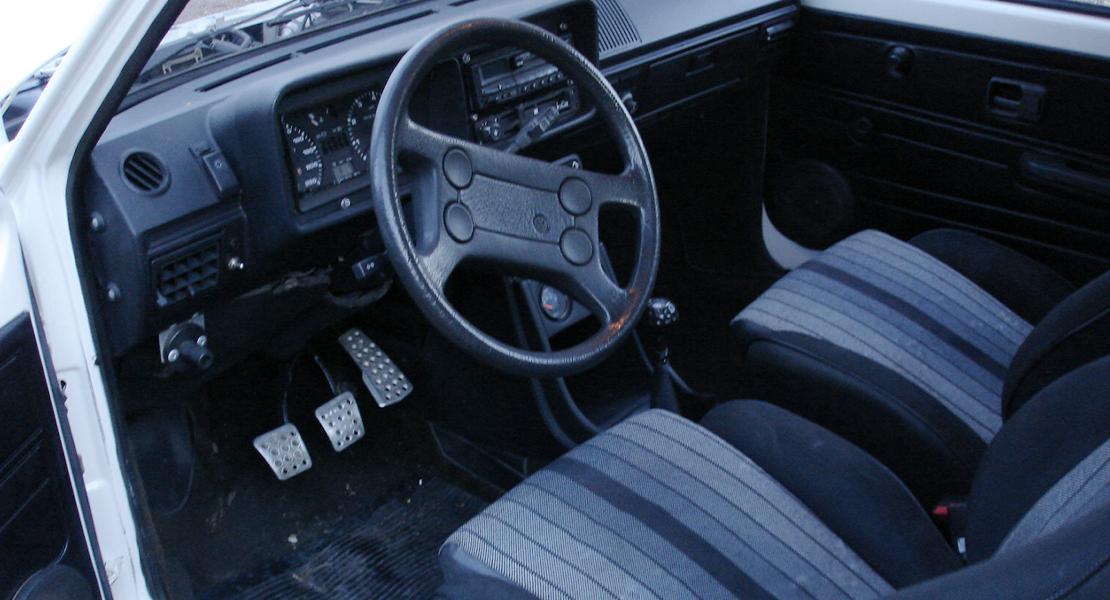 location-VOLKSWAGEN (VW)-Clamart-roadstr