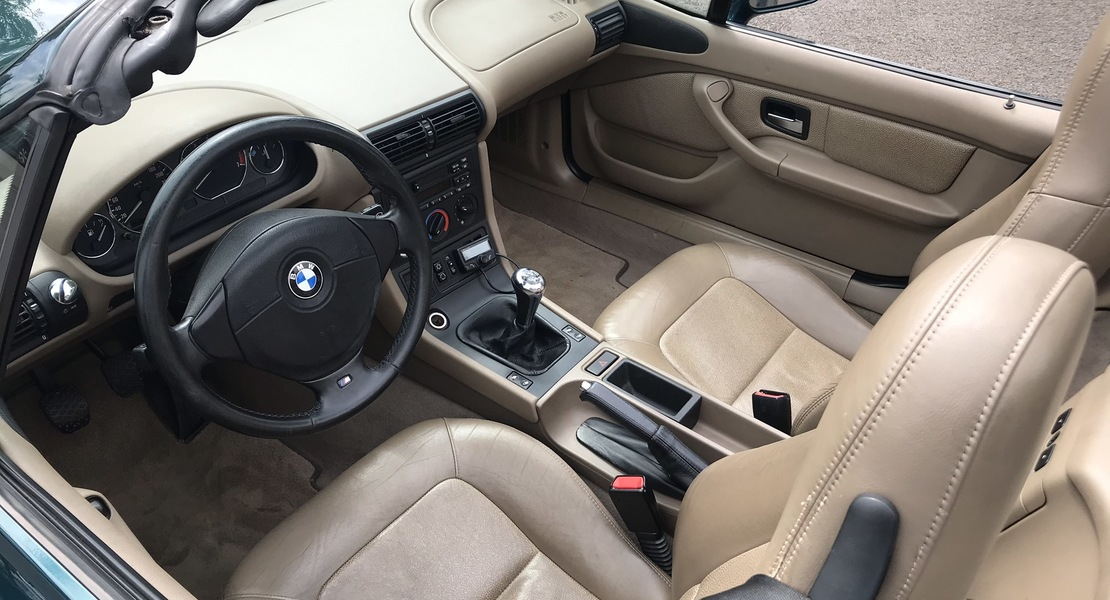 location-BMW-Saint-Rémy-l'Honoré-roadstr