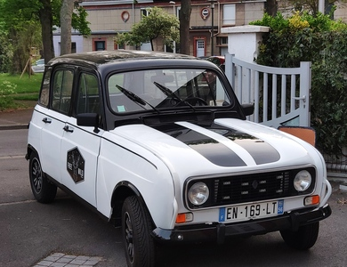 Renault 4l à Strasbourg (Bas-Rhin)