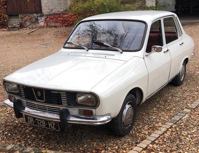 Renault R12 Tl à Jutigny (Seine-et-Marne)