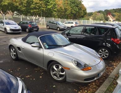 Porsche Boxster 986 à Montlhéry (Essonne)