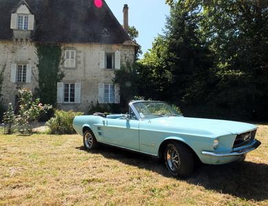 Ford Mustang Cabriolet V8 (1ère Gen) à Laillé (Ille-et-Vilaine)
