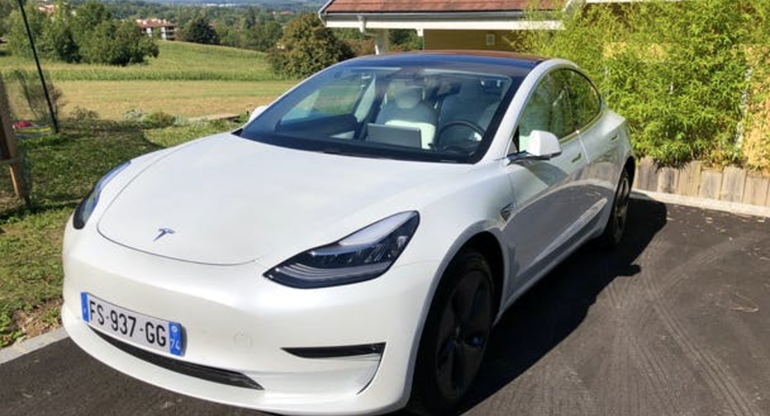 location-TESLA-Collonges-sous-Salève-roadstr