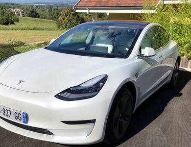 Tesla Model 3 à Collonges-sous-Salève (Haute-Savoie)