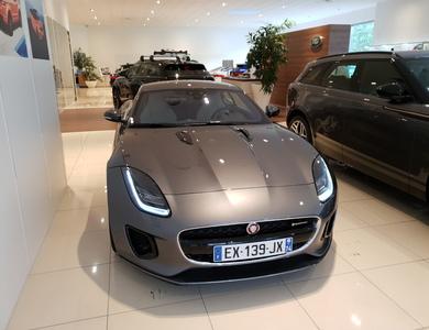 Jaguar F-type à Saint-Julien-en-Genevois (Haute-Savoie)