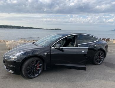 Tesla Model 3 Performance à Cannes (Alpes-Maritimes)