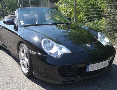 Porsche 911 Carrera 4s Cabriolet (type 996) à Tresserve (Savoie)