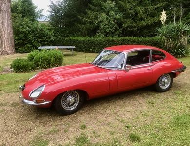 Jaguar Type E à Paris (5ème arr.)