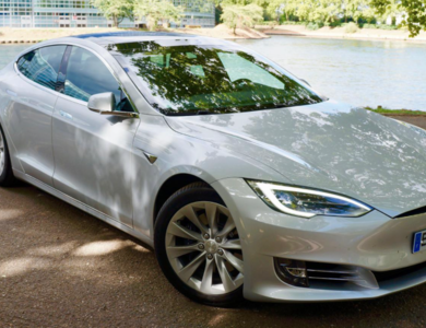 Tesla Model S à Chartres (Eure-et-Loir)