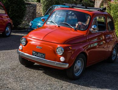 Fiat 500 R à Nice (Alpes-Maritimes)