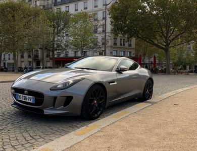 Jaguar F-type Coupé V6 à Puteaux (Hauts-de-Seine)