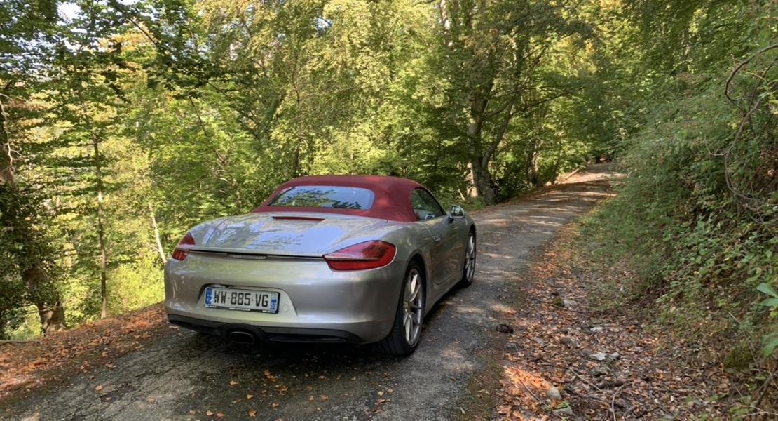 location-PORSCHE-Varennes-Jarcy-roadstr